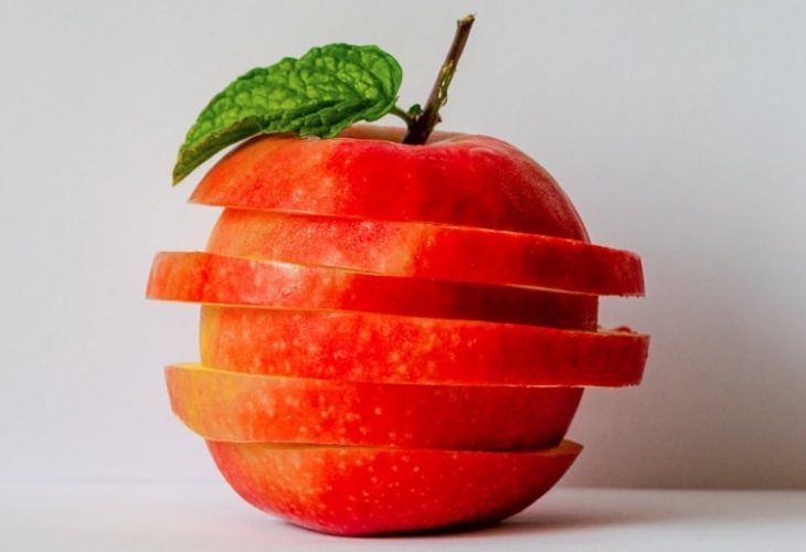 an apple sliced up for our article about the effectiveness of Goli gummies for weight loss